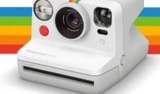 Polaroid lance un appareil photo autofocus Now
